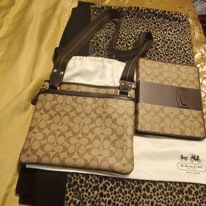 Cross Coach tote bag/w/ipad case